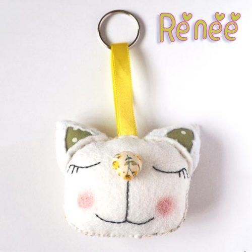 Cat keyring Renee front